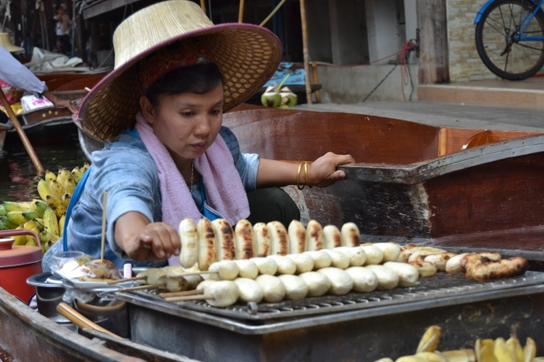 Be hungry when you visit the Floating Market outside Bangkok. The things to buy is good snacks or bad souvenirs.